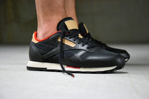 online store 877c6 4cb9e  Reebok CL Leather Utility Black Red  sneakers