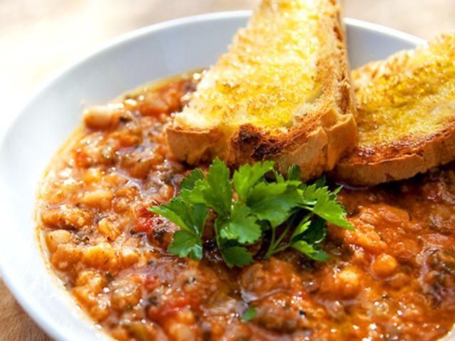 Ribollita - Grönsakssoppa med svartkål, cannellinibönor och bröd (kock Anders Strand)