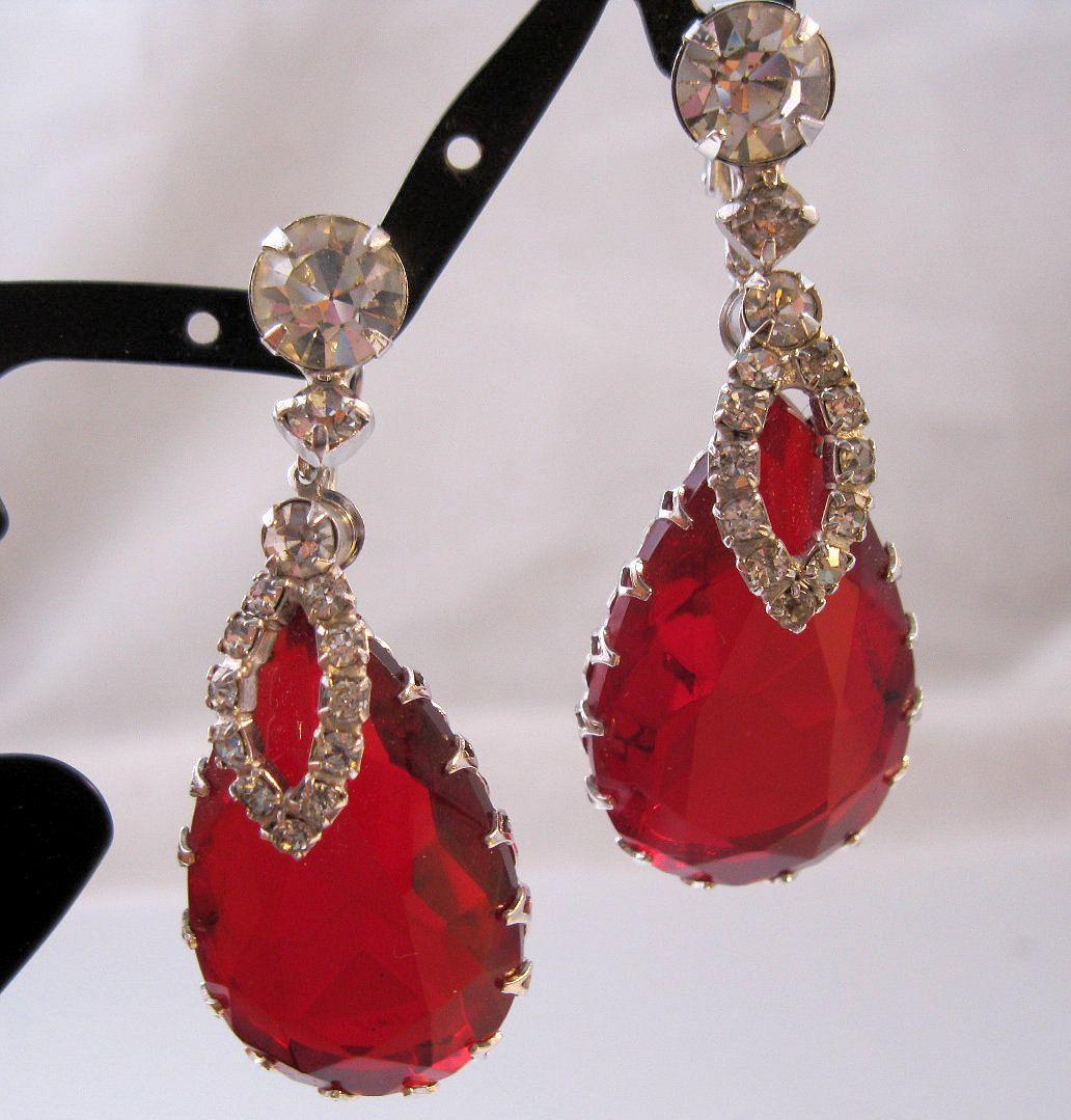 VINTAGE HIGH QUALITY FASHION JEWELRY RED GEMSTONE TEARDROP DANGLE EARRINGS