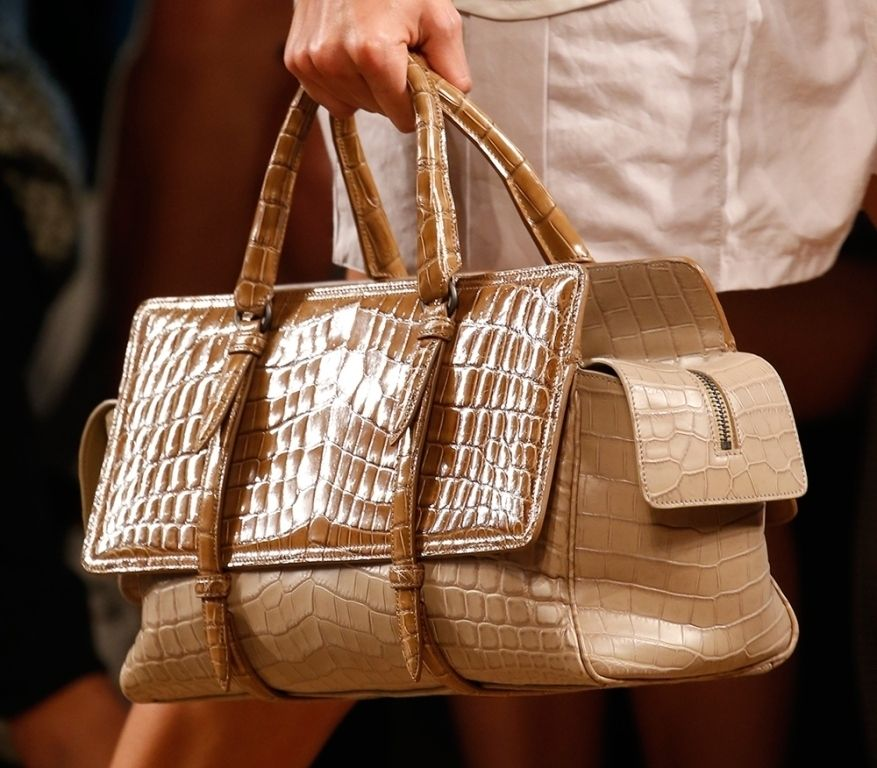 The Hottest Handbag Trends For Women In 2017
