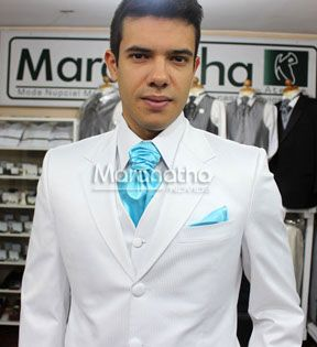 Traje blanco para bodas de dia y en playa matri for Trajes de novio blanco para boda