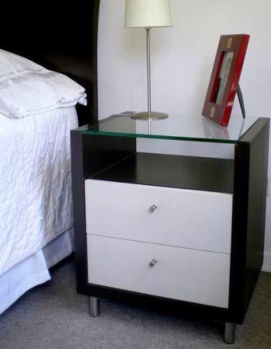 Veladores mesa de noche reposteros closet c modas repisas dormitorio pinterest veladores - Mesas de dormitorio ...