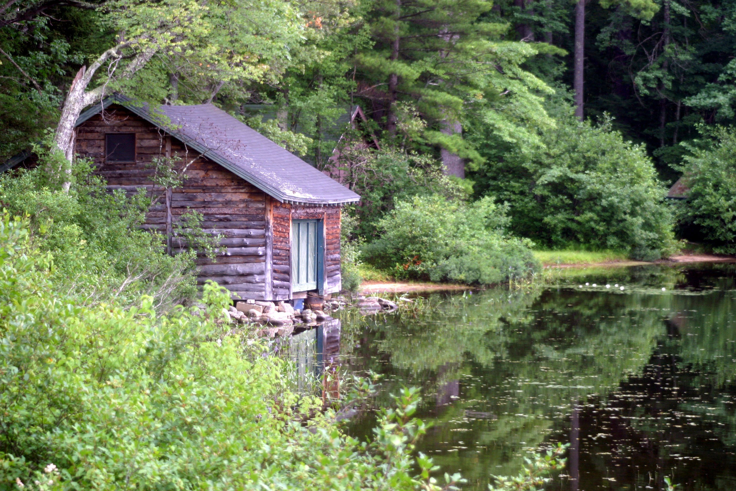 first connecticut cabins new hampshire on cozy img nh spruce lake pittsburg in log red