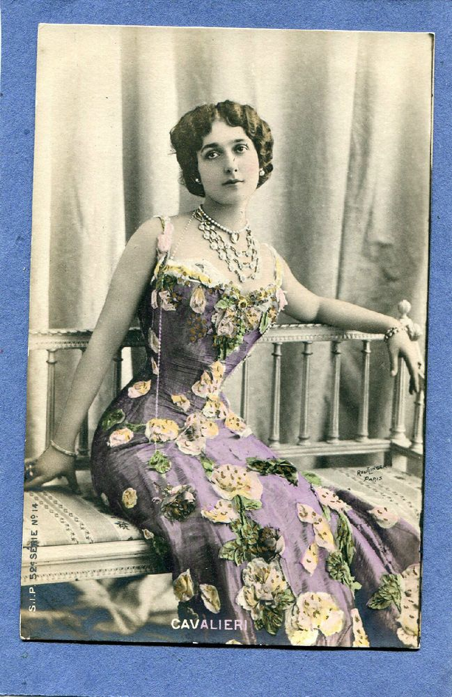 Lina Cavalieri, beautiful Italian opera singer, tinted photo Reutlinger postcard