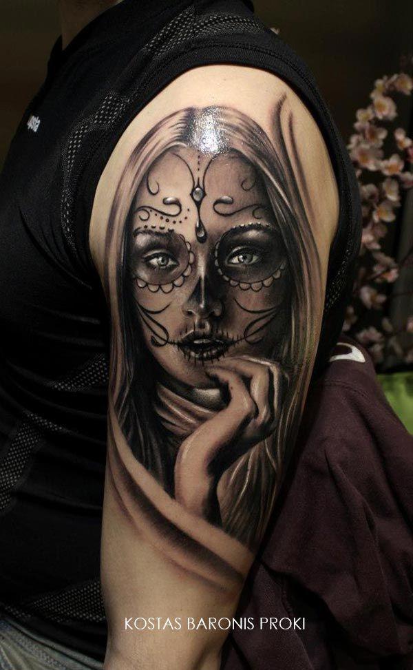 Tatouage D Une Santa Muerte Sur Le Haut Du Bras Tatts Tattoos