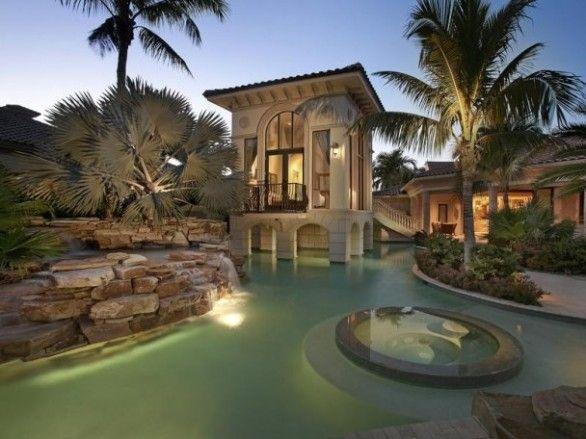 Beautiful pool area!!
