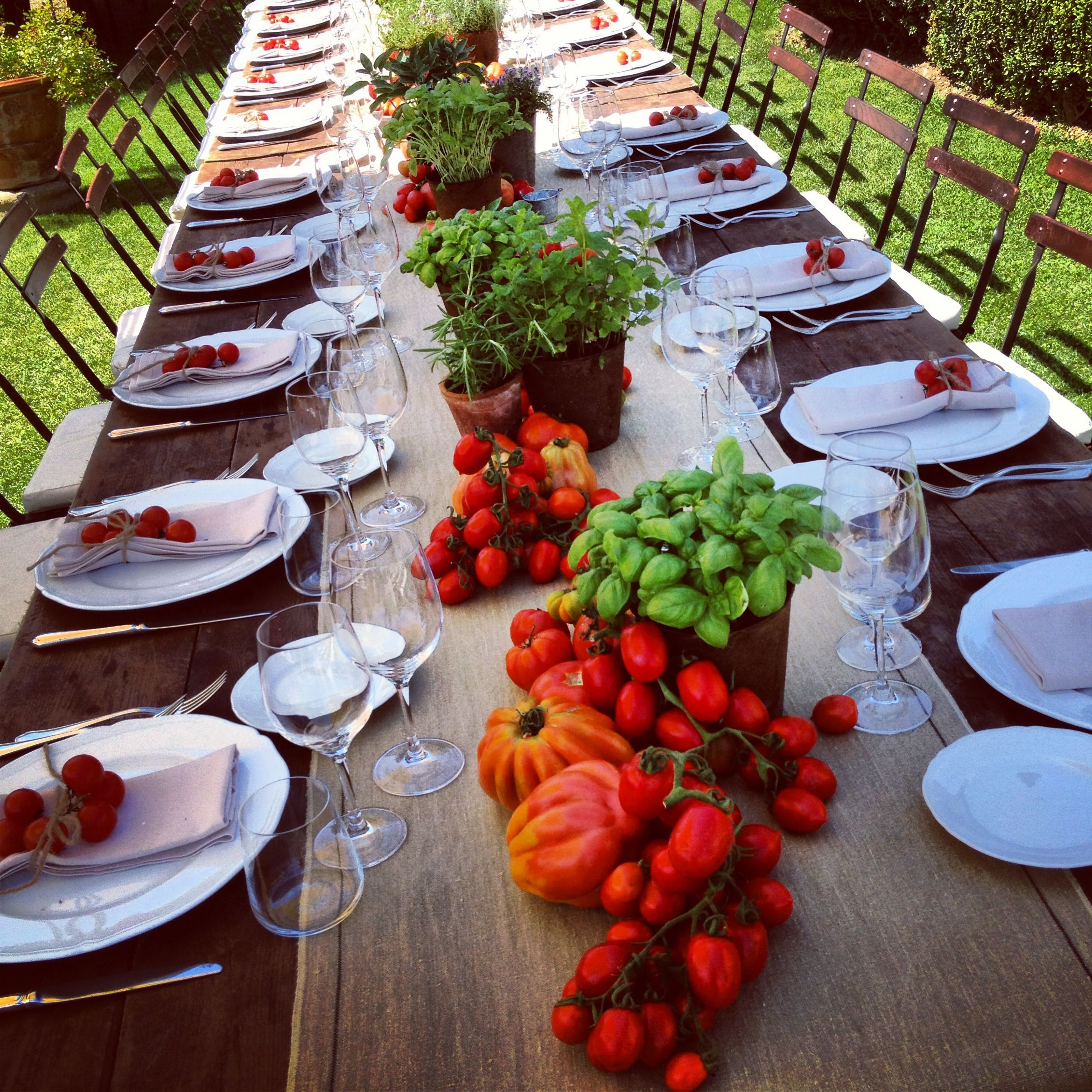 Simple and inexpensive table decoration. Very Tuscan! | Table ...