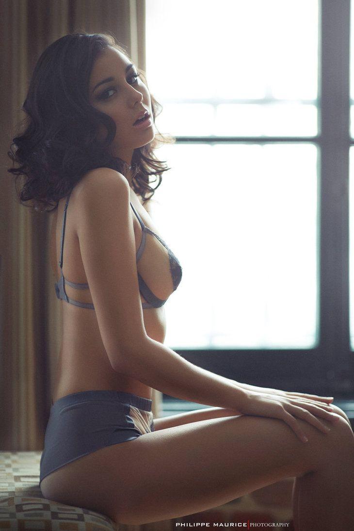 tara strong naked