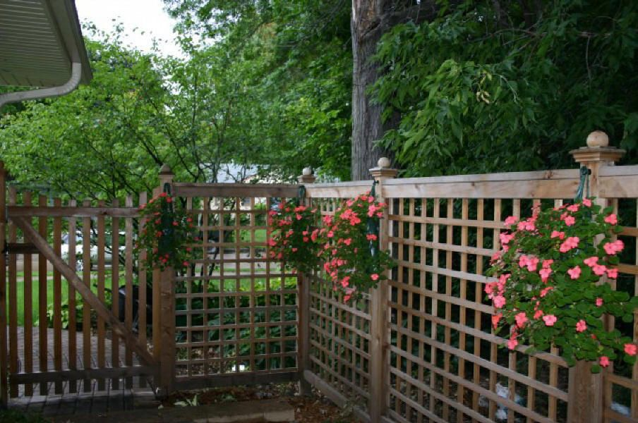 Low Fence Ideas Lattice Fence Adds Security And Privacy