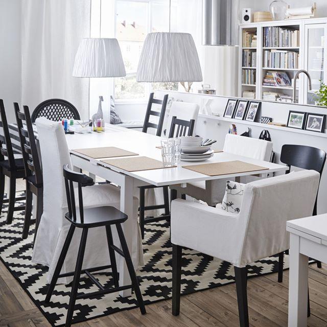 Pour mélanger les styles tout en conservant une harmonie dans votre salle à manger limitez