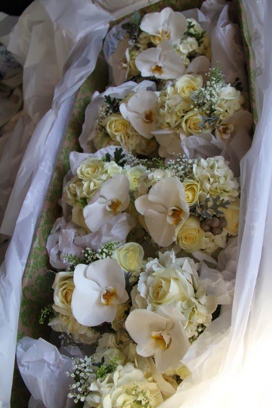 Winter Wonderland Wedding Day The Fabulous Bridal Bouquets Of