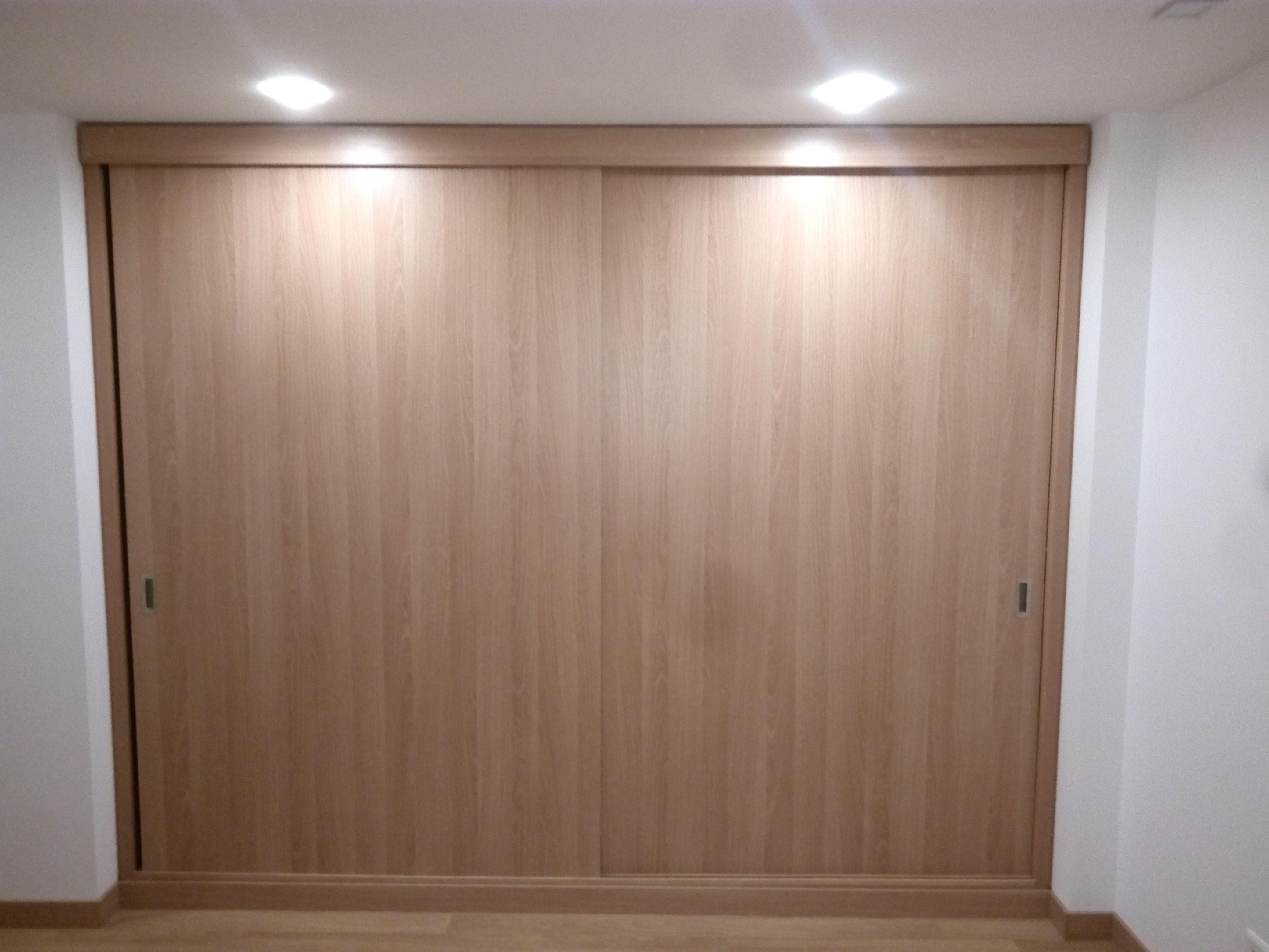 Dise o puertas corredizas closet pinterest portones for Diseno puerta