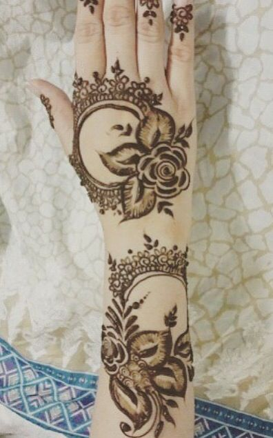 Arabic Henna Design Lace Circles And Roses Mehendi Mehndi