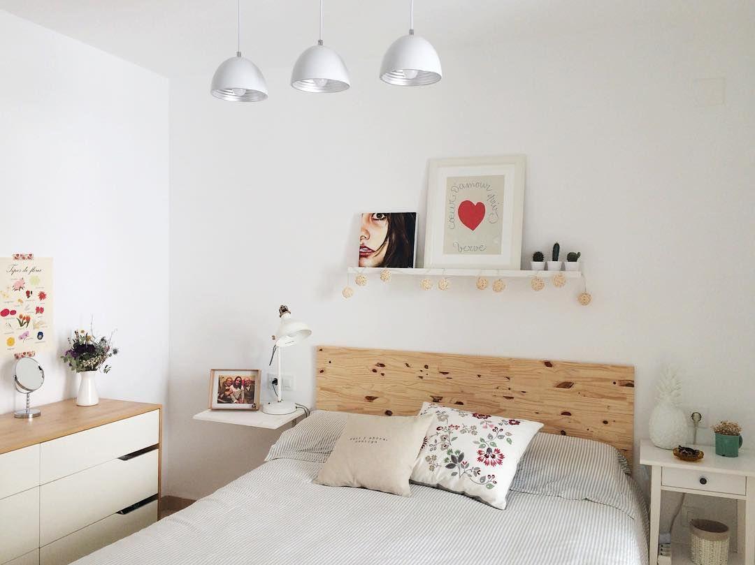 dormitorio cama y cmoda mandal ikea lmpara lzete cojines hedblomster ikea y
