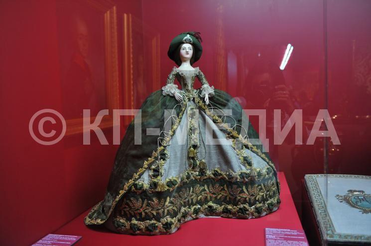 Выставка `Венчания на царство и коронации в Московском ...