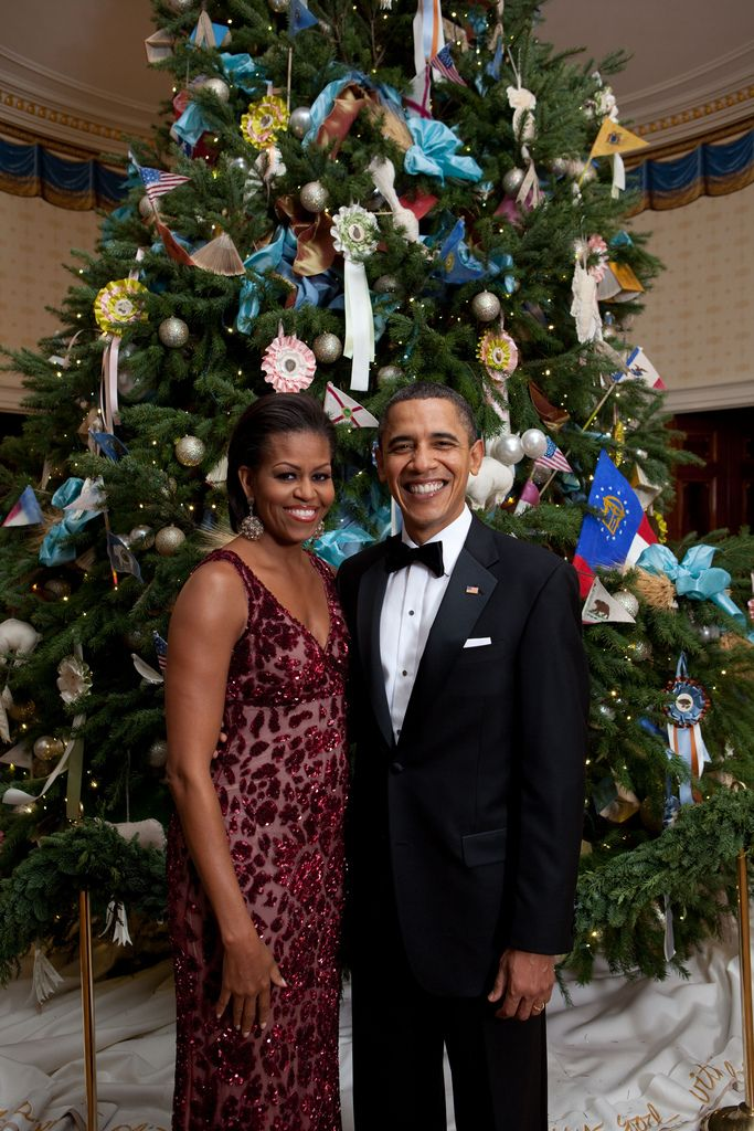 President Barack Obama, First Lady Michelle Obama, and daughters Sasha ...  Image Source Page: http://michellepictures.com/tag/christmas-2010