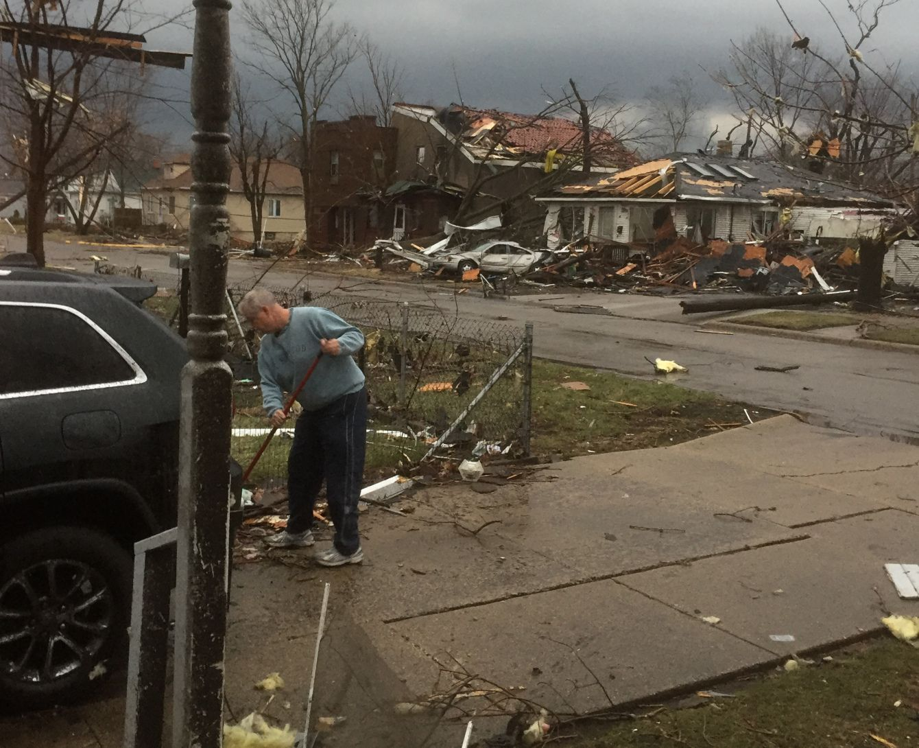 At least seven tornadoes hit Illinois, killing three, injuring 10 | Chicago Sun-Times