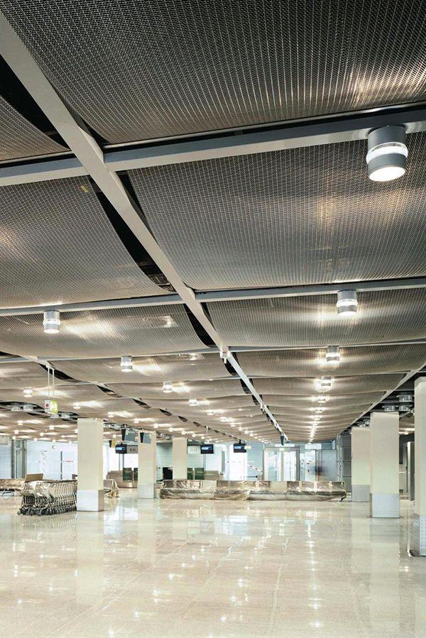 Architectural Wire Mesh ceiling at Airport Düsseldorf