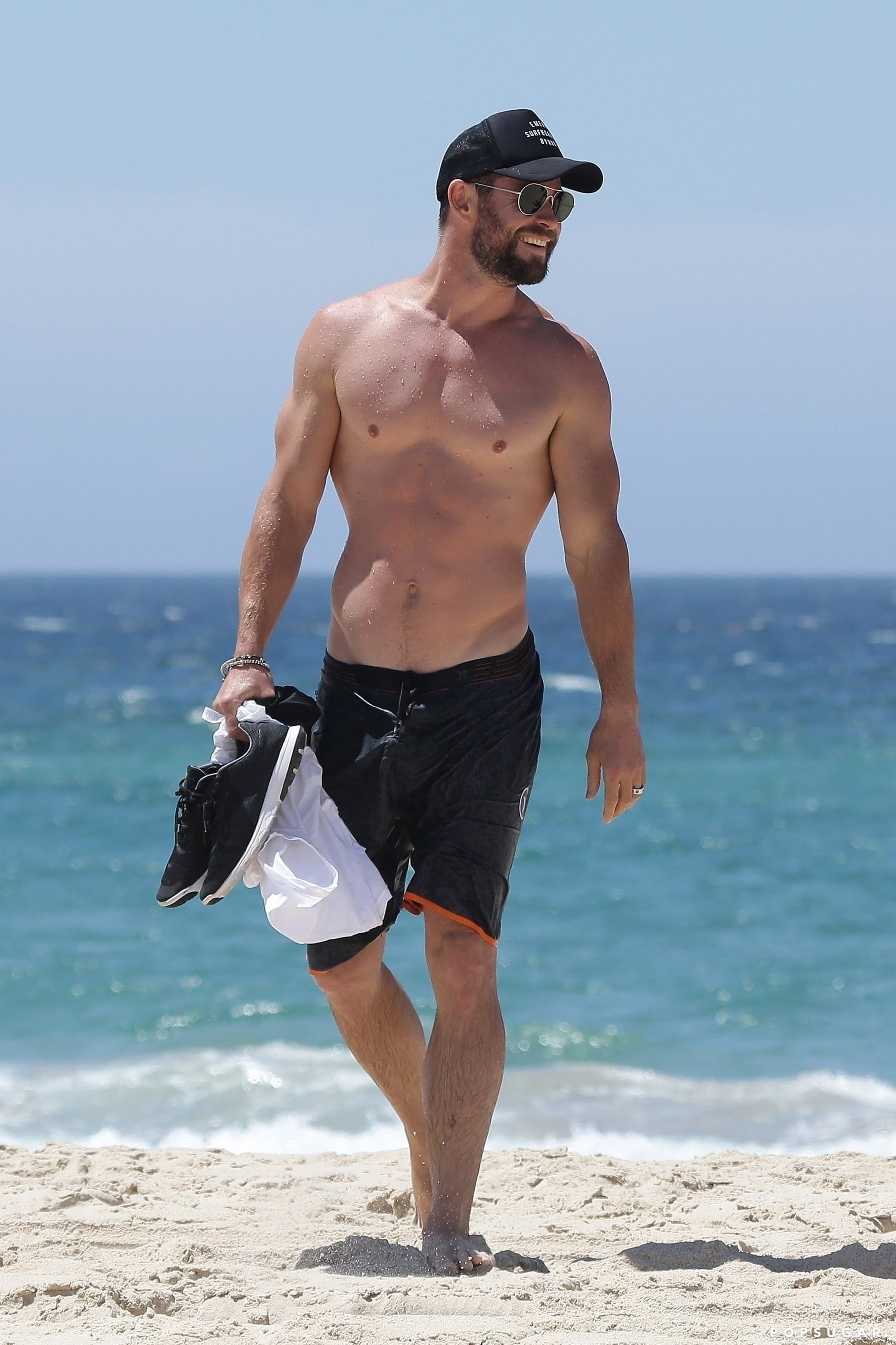 21 Chris Hemsworth Shirtless Photos That Will Do Unspeakable Things to Your Body