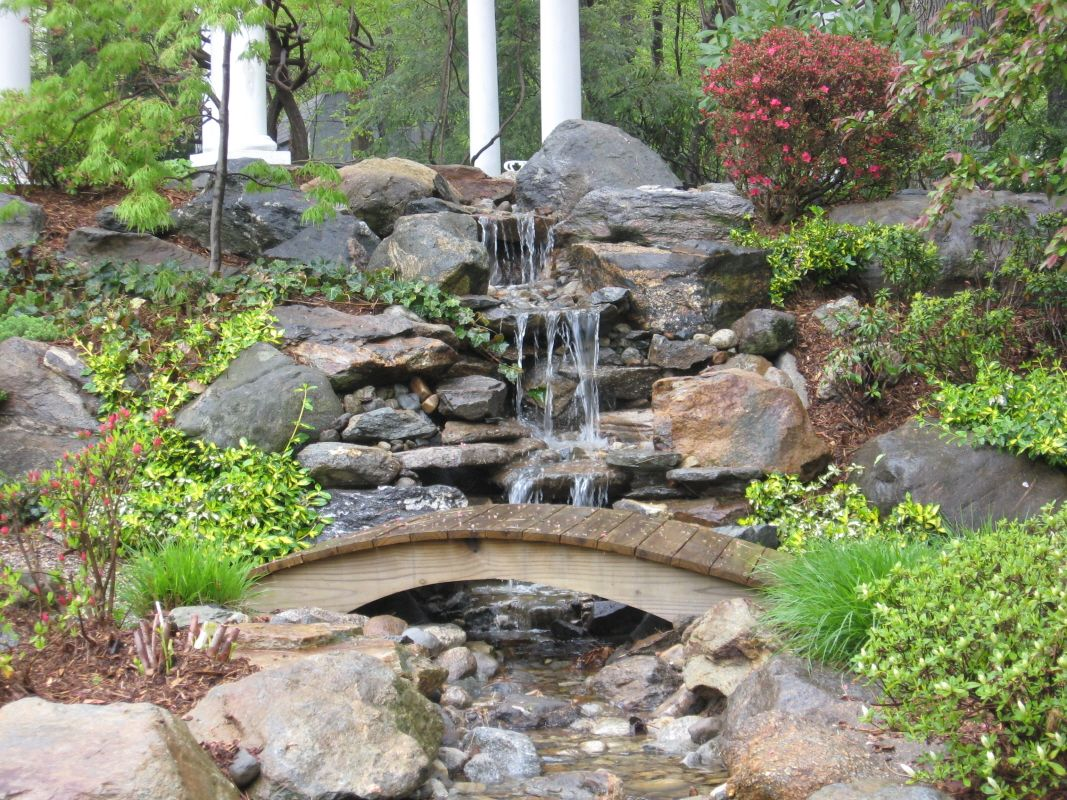 Japanese dry riverbed designs you are here waterfalls for Backyard water fountain ideas
