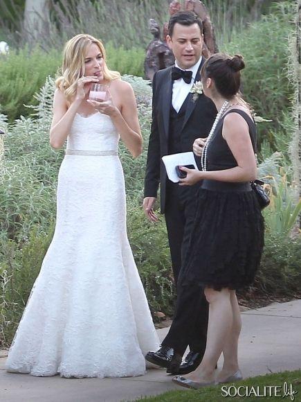 jimmy kimmel marries longtime love molly mcnearney in a