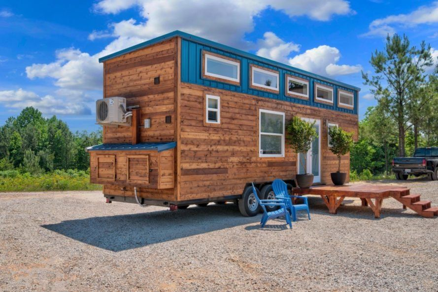 This Custom Tiny Home Features A Surprisingly Spacious Interior In 2020 Tiny House Big Living Tiny House Loft Small House
