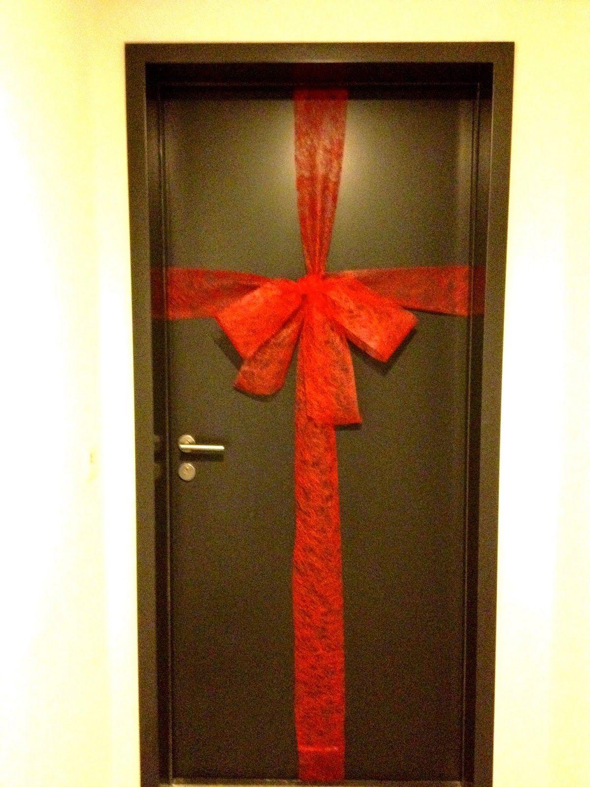 Rebekka S Craft Room Giant Front Door Christmas Bow