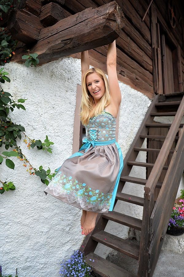 Dirndl Dresses London Stefanie Hertels Trendige Dirndl Kollektion Stockerpoint