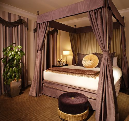 i love loveee canopy beds! this is way pretty... one day i & Canopy Bed in the Chateau Ste. Michelle Suite Bedroom - Hotel ...