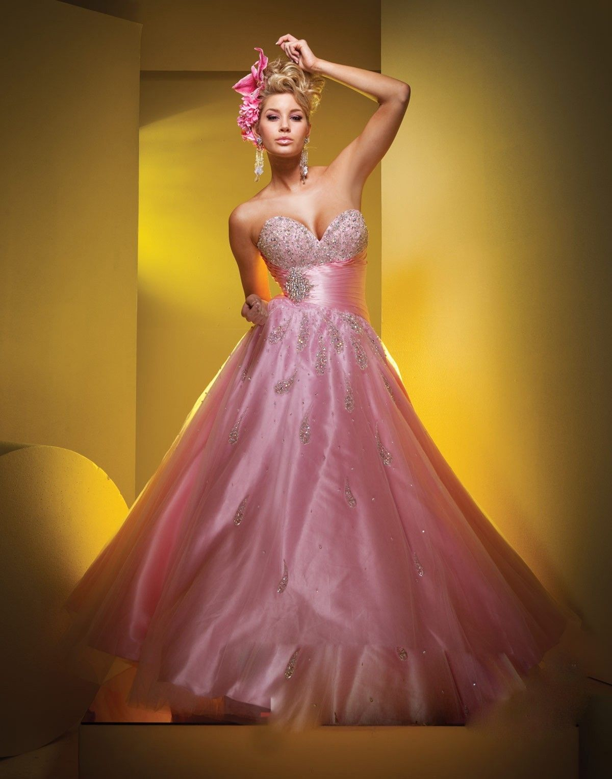10  images about ball gowns on Pinterest - Pink prom dresses ...