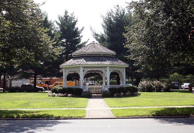 Memorial Gardens Gazebo Garden City Ny Gazebo On 7th Street