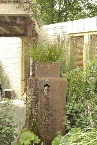 Metal Rain Barrel With Rain Chain Overflow Garden