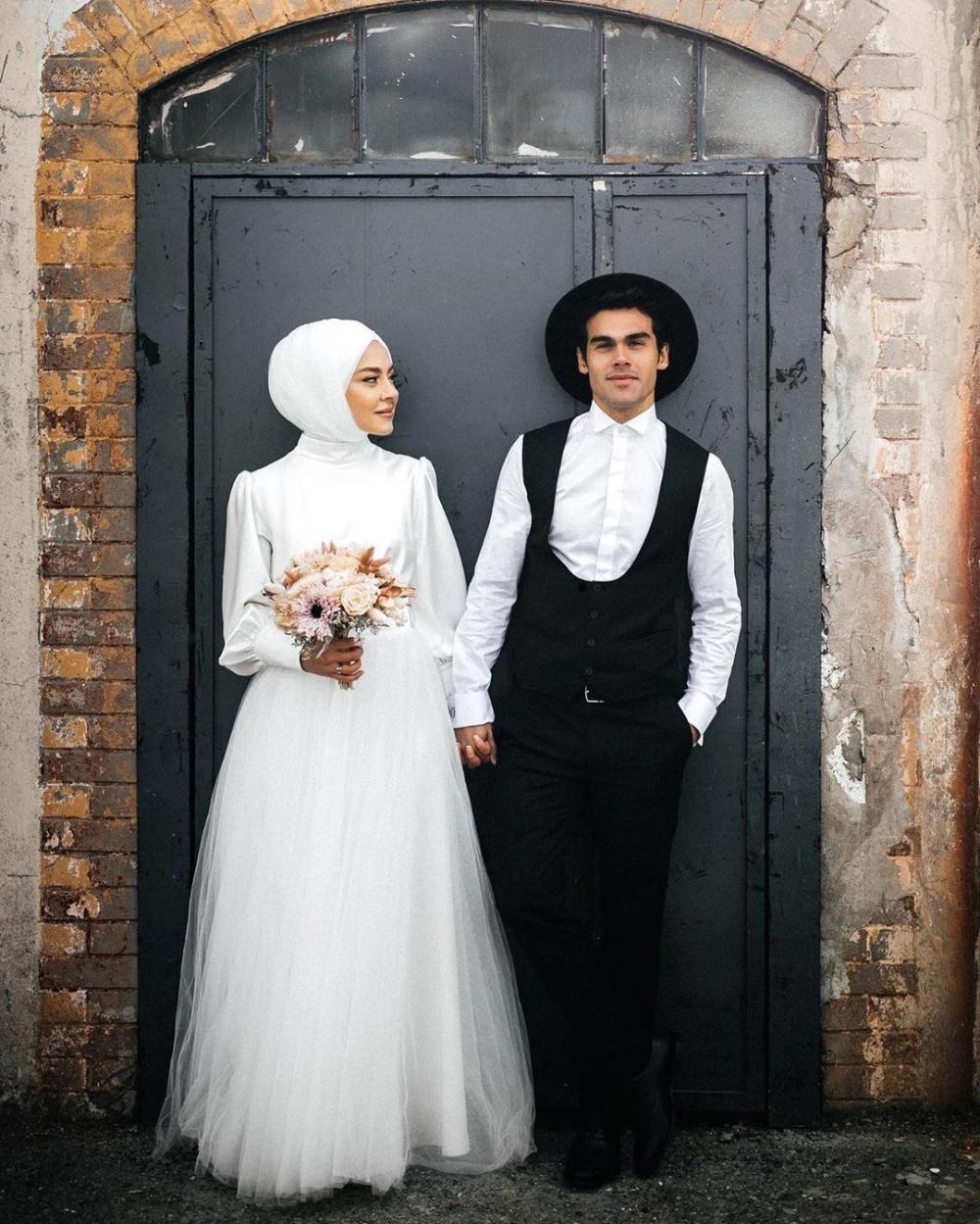 Simple Long Sleeves Wedding Dress Muslim Bridal Gown Dqg1119 Long Sleeve Wedding Dress Simple Wedding Dress Muslim Wedding Dress Long Sleeve [ 1249 x 1000 Pixel ]
