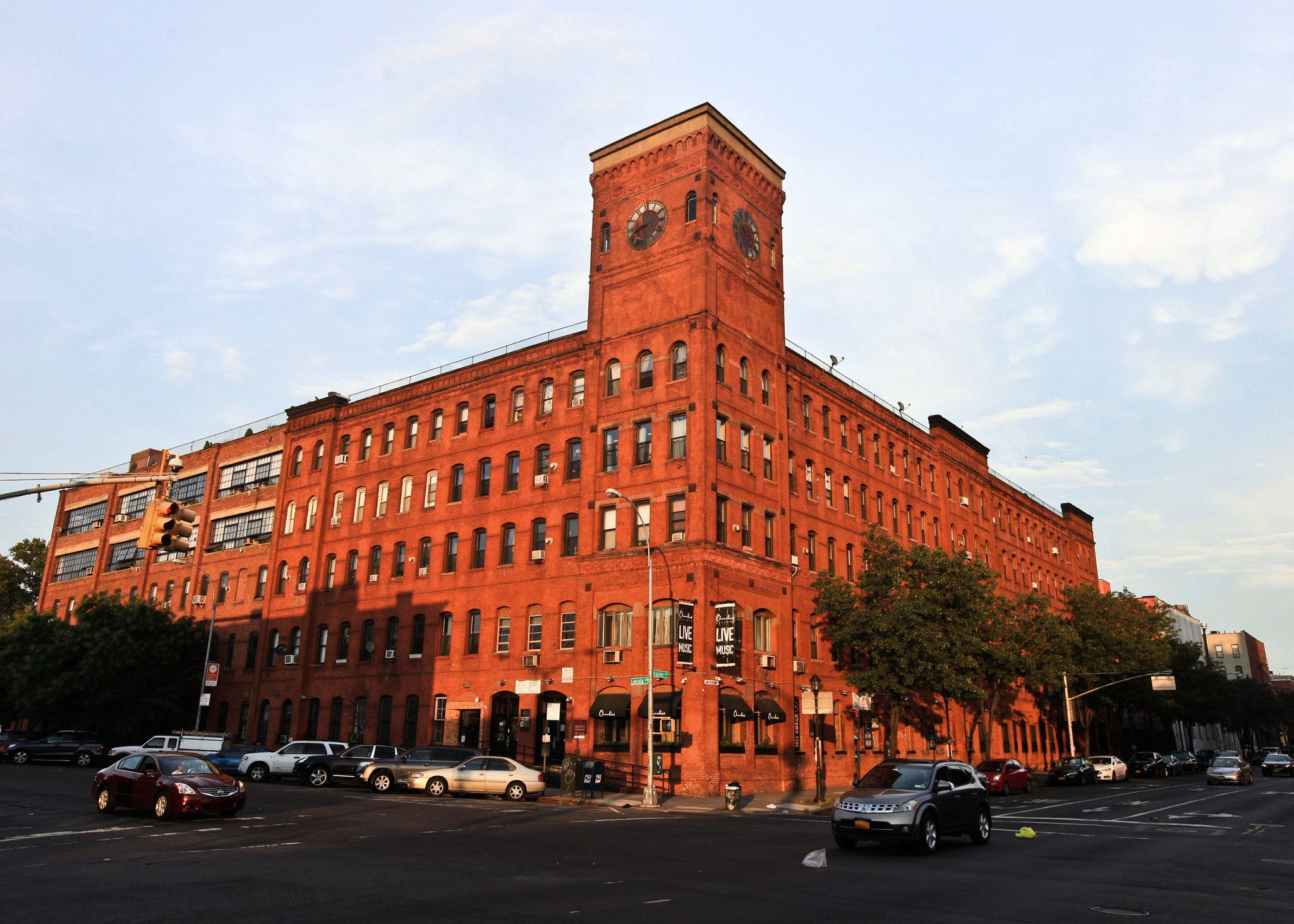 On The South Bronx Bandwagon Published 2015 Bronx Ferry Building San Francisco Clock Tower