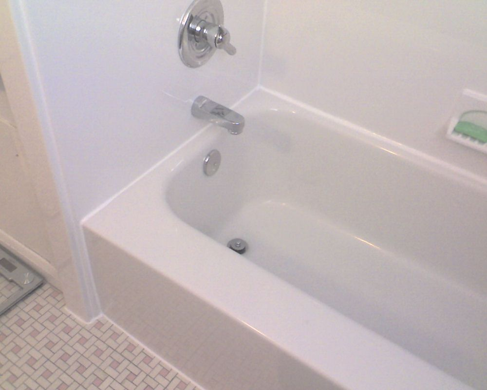 Acrylic bathtubs: Cleaning and stain removal using simple, homemade ...