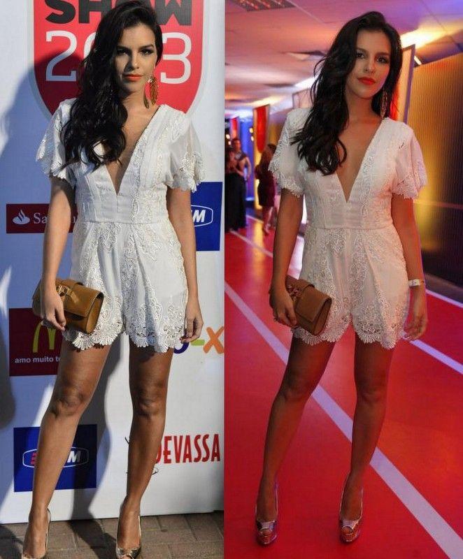 O look decotado de Mariana Rios no Prêmio Multishow #look #fashion #white