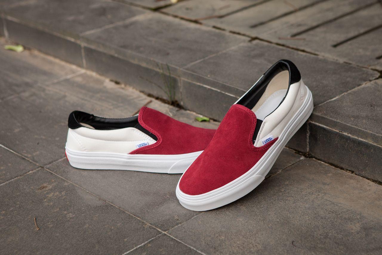 Vans Vault OG Slip On 59 LX One Foot On 17SS Kanye White Red Skate Shoes   Vans 47f8292ee