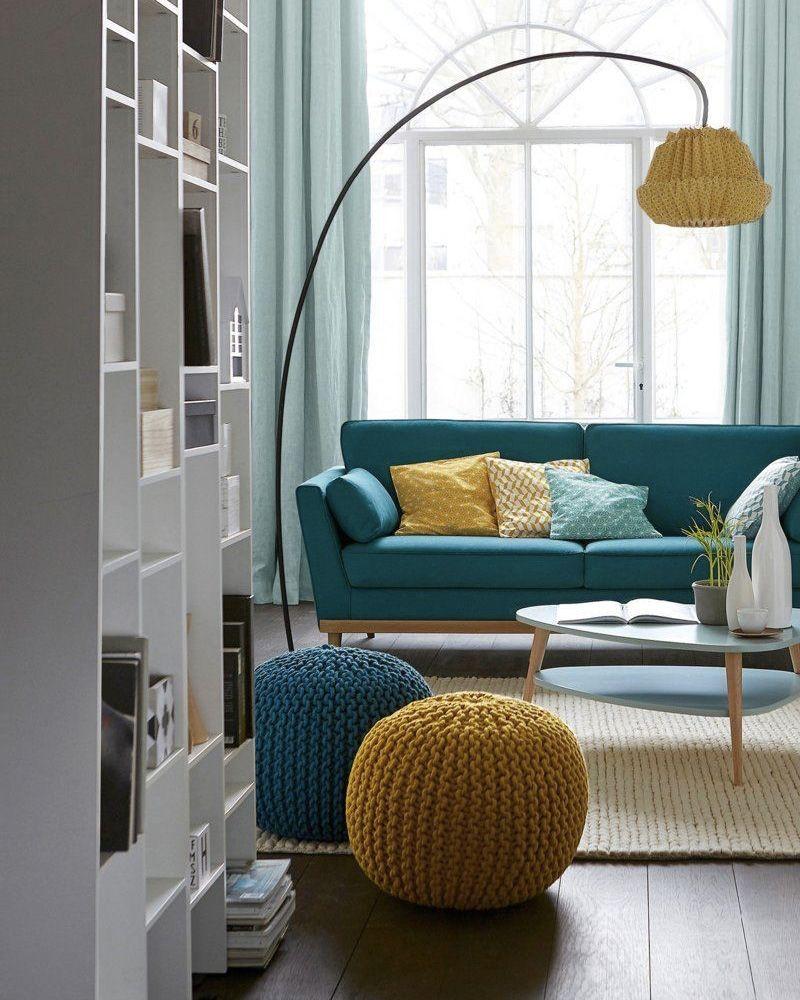 9 Facons D Utiliser Le Bleu Dans La Deco Du Salon Shake My Blog Deco Jaune Deco Salon Deco