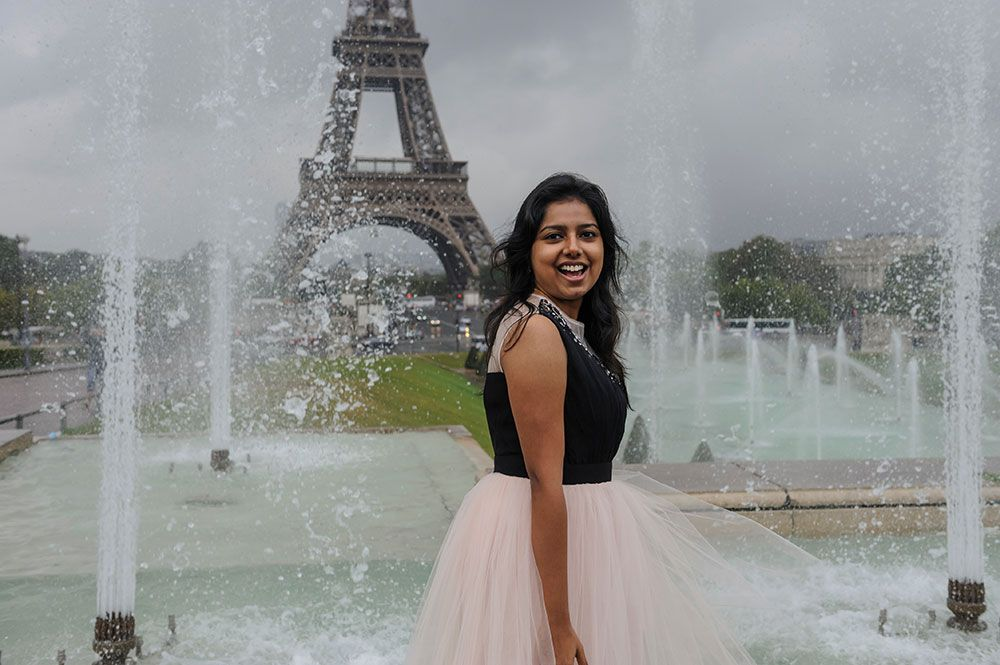 What do you get when you mix tutus, fountains and the Eiffel Tower? Our recent honeymoon photoshoot by Paris photographer Pierre created romantic photos bursting with fun.