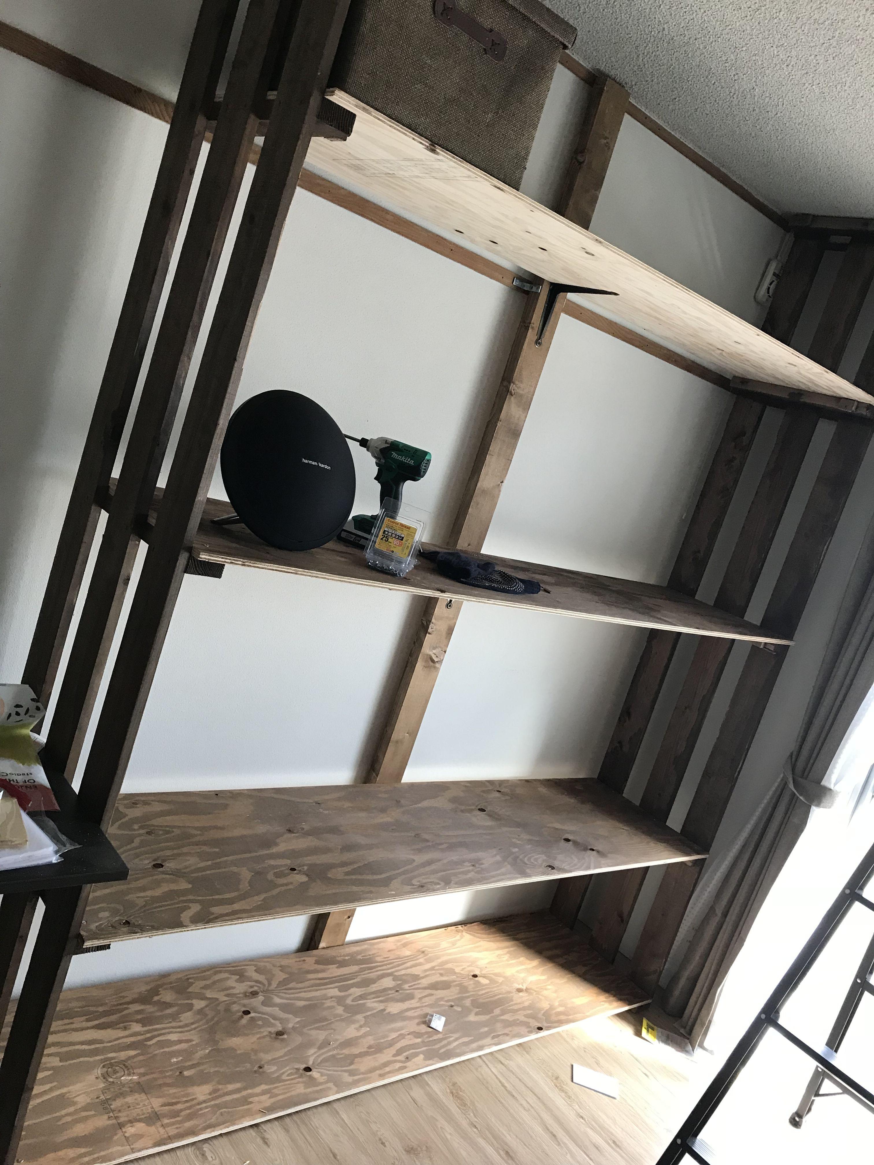 自分の部屋に丁度良い大きさの収納がなかった為diyにて作成 天井まで