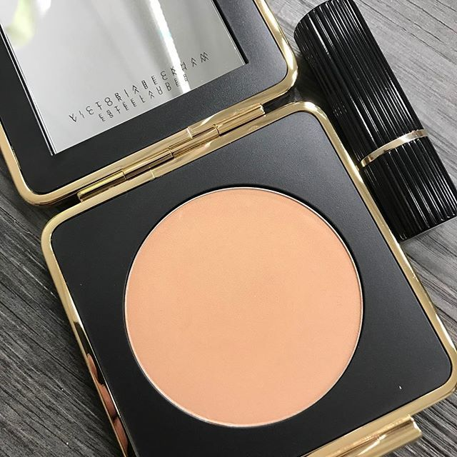 The bronzer from @victoriabeckham via @esteelauder and it's so lovely and the perfect colour. Not too bronzed. Cause you want to look kissed by then sun not attacked!