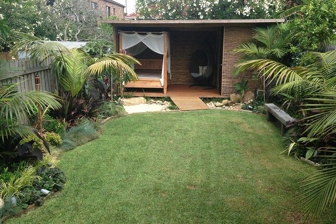 Tropical balinese garden designer balinese gardens for Balinese garden design