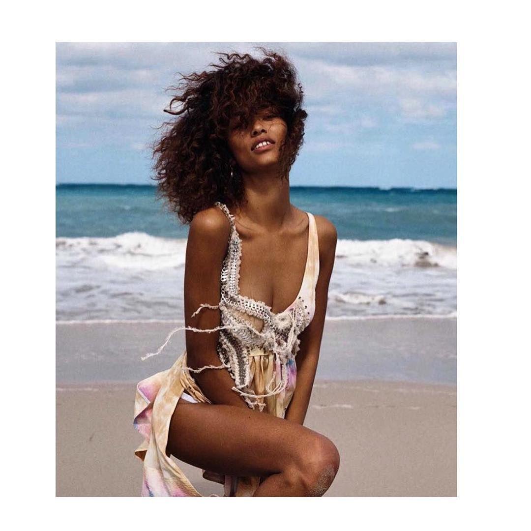 Cleavage Anais Mali nudes (64 photos), Tits, Bikini, Twitter, braless 2015