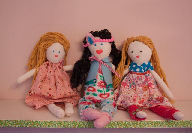 Ak zu Hause: * Nähen Puppen