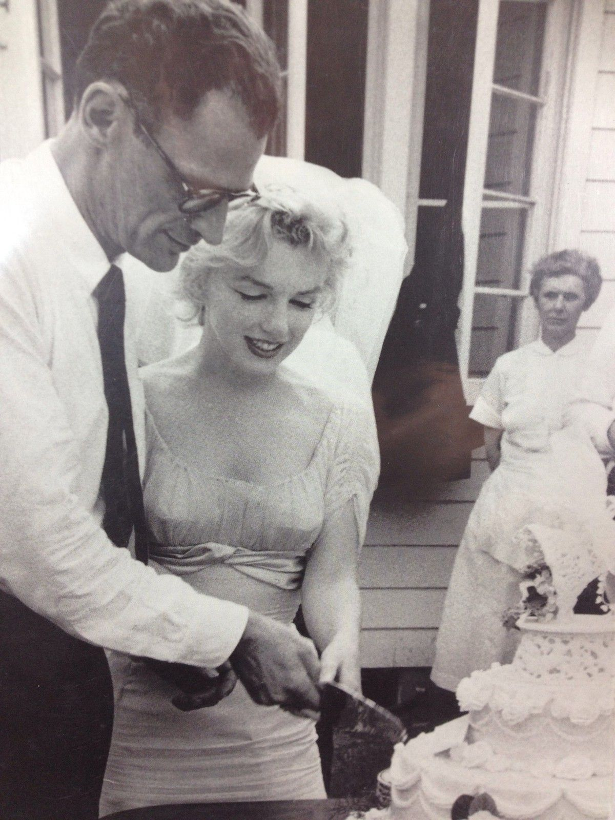 Marilyn Monroe And Arthur Miller On Their Wedding Day 1 July 1956 Photo By Milton Greene Marilyn Monroe Marilyn Marilyn Monroe Wedding