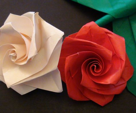 How to make an easy origami rose bouquet beautiful origami e grupo how to make an easy origami rose bouquet mightylinksfo