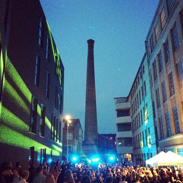 Pantheons Passage tager sig formidabelt ud i aften! #KARRUSEL er rykket ind! #karruselfest #mitodense #thisisodense #odenseerawesome - Odense www.thisisodense.dk/15221/karruselfest