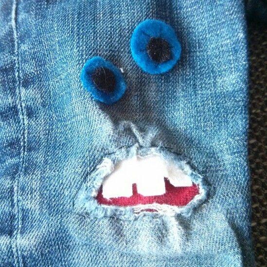 Lappade jeans till lilltjejen. Vliselin på baksidan för att förstärka de.