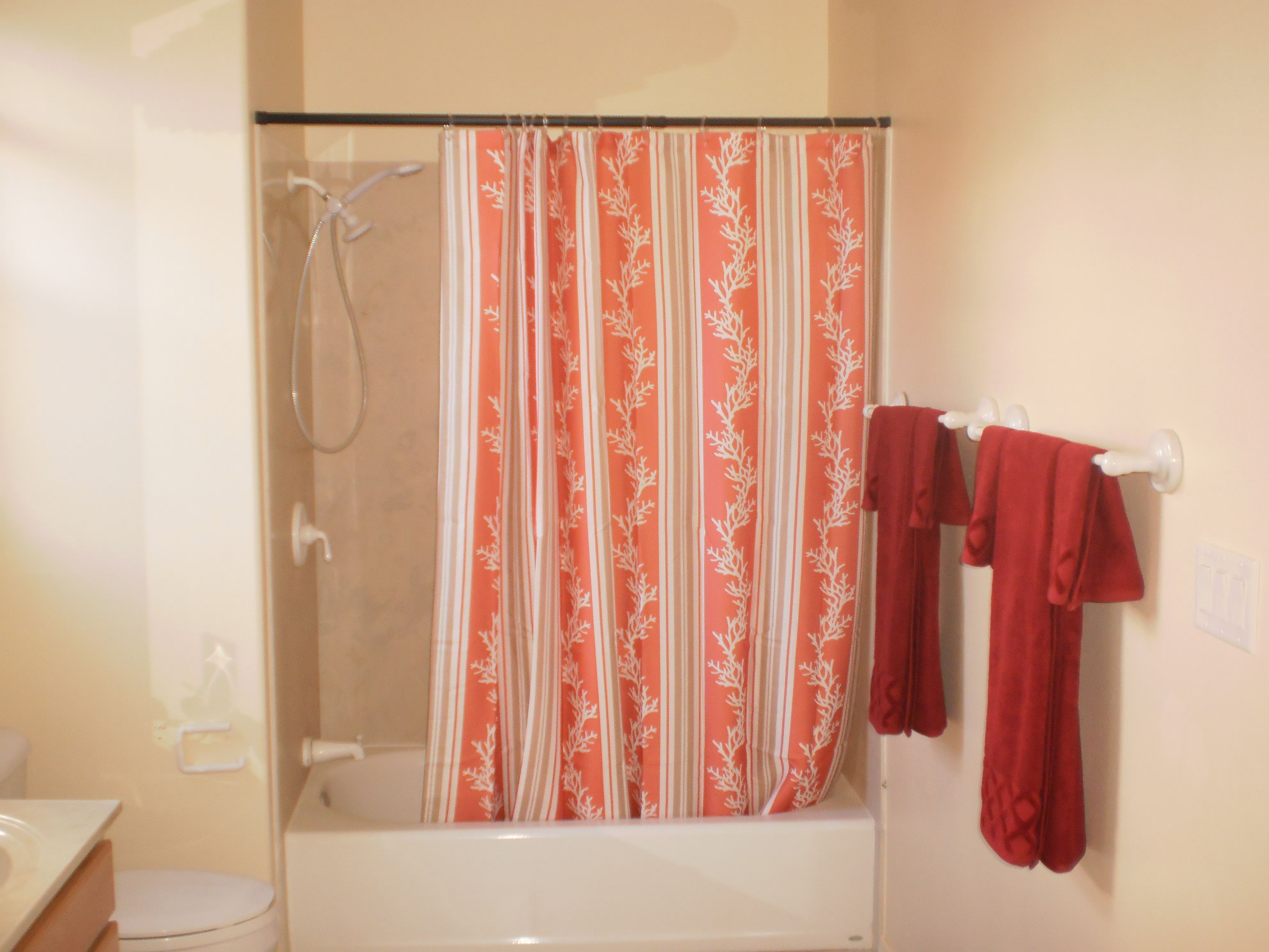 Upstairs hall bathroom sold days after staging banked owned