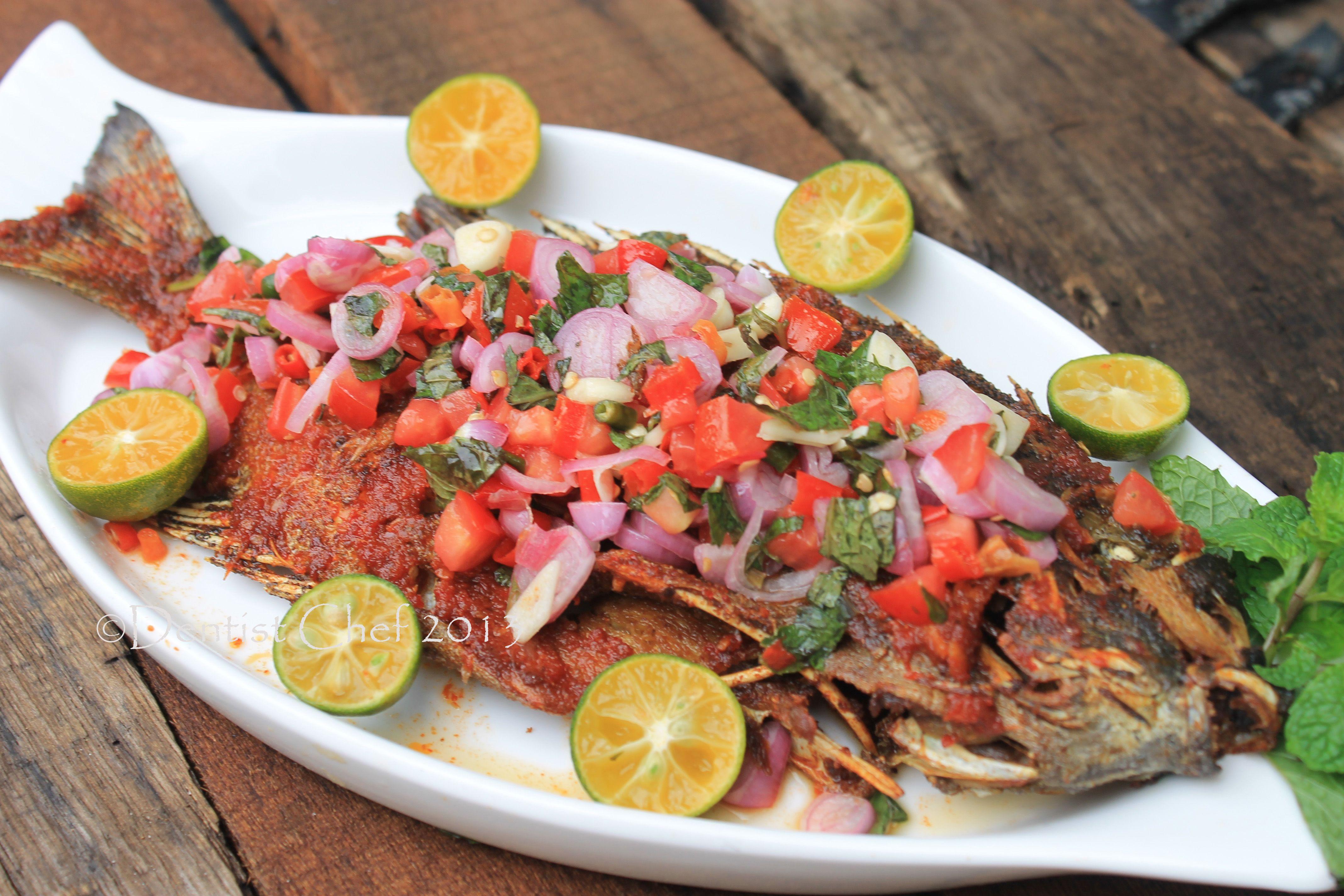 Ikan Baronang Bakar Bumbu Rica Rica Sambal Dabu Dabu Grilled Rabbit Fish With Spicy Rica Rica Dabu Dabu Salsa Masakan Resep Ikan Resep Ikan Bakar
